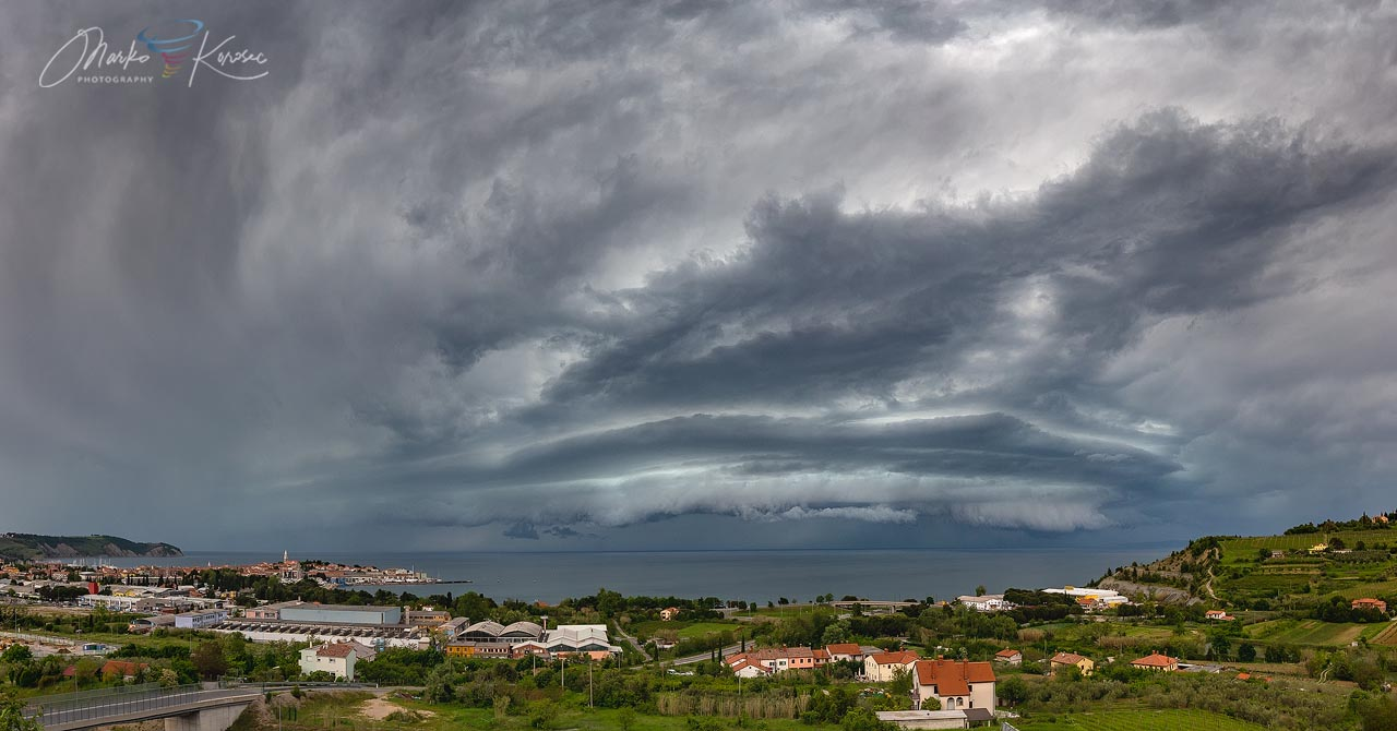 supercell-storm-shelf-cloud-trieste-gulf