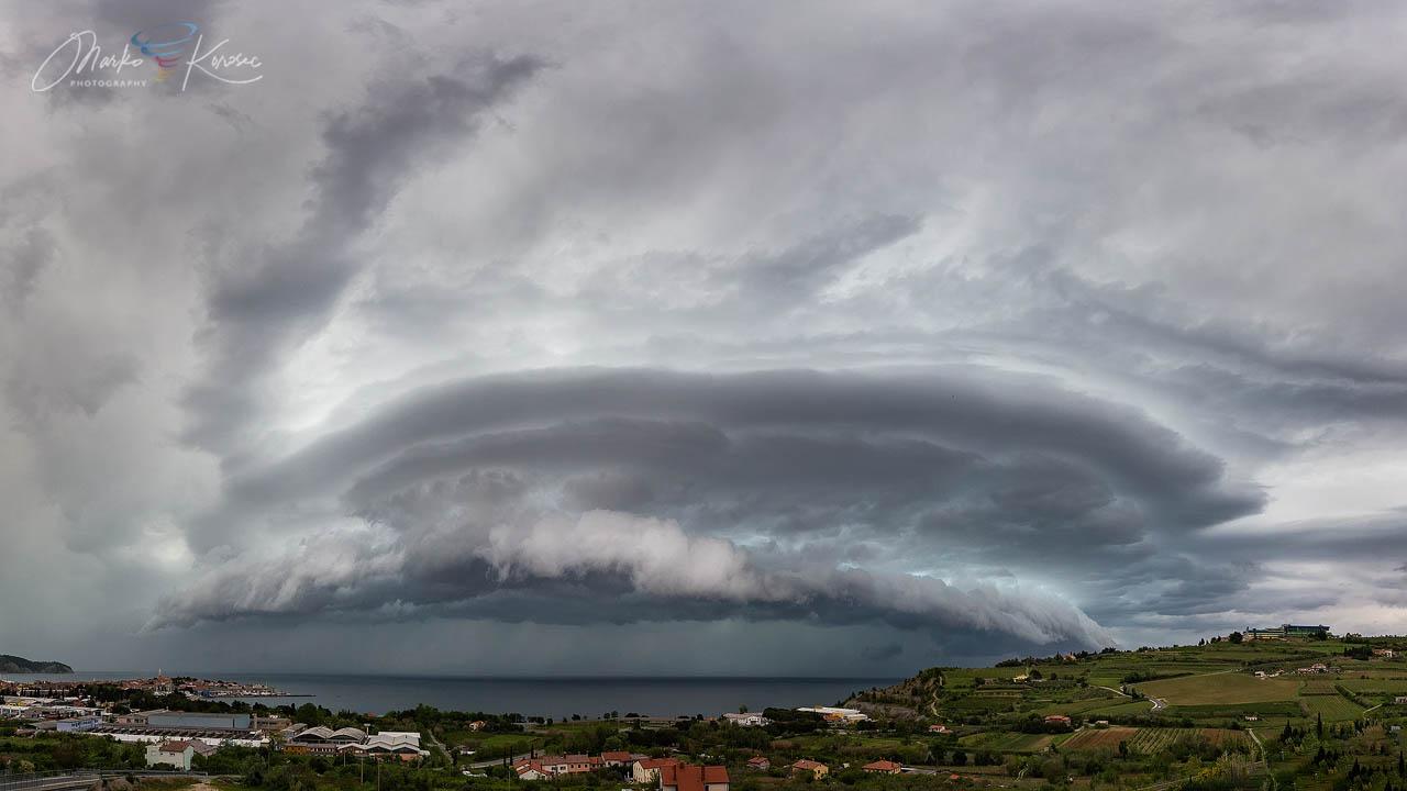 supercell-storm-shelf-trieste-gulf-panorama