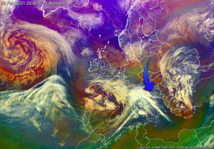 polar-vortex-cold-snow-forecast-europe-airmass-satellite