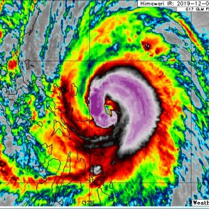 An incredible rapid intensification of typhoon #KAMMURI – now a borderline Category 4 just a few hours before making landfall near Legazpi City, Philippines!