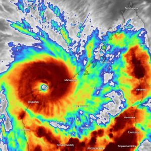 Tropical Cyclone #Belna has made a devastating landfall in Madagascar with a few hour bursts of rapid intensification before reaching the coast