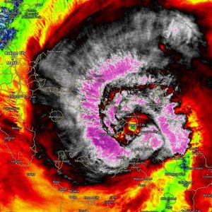 Super Typhoon #KAMMURI made a devastating Category 4 landfall near Gubat in Sorsogon province, Philippines today
