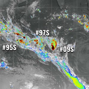 Three tropical waves are simultaneously ongoing in the Southwest Indian Ocean – Invest #95S is threatening western #Madagascar