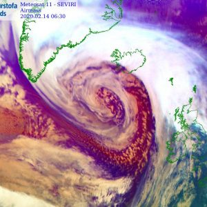 UPDATE on the extremely deep cyclone nearing Iceland – a *violent* windstorm is underway!