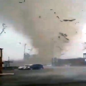 Several tornadoes hit Midwest (USA) on Saturday evening – destructive tornado rips through the city of Jonesboro (Arkansas) and leaves at least 6 injured