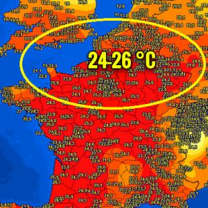 Significant warmth 23-27 °C afternoon temperatures across a large part of Europe, even the UK pushed to +24 °C! Very warm weather continues into Easter weekend