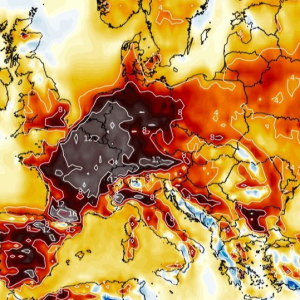 A strong and long-lasting heatwave develops across west-central Europe