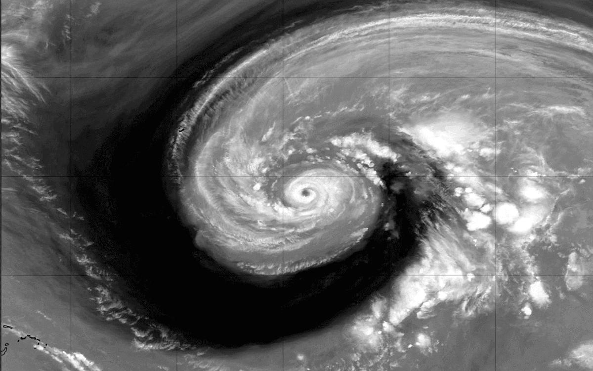 hurricane epsilon bermuda atlantic water vapor satellite
