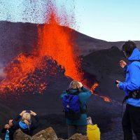 volcano eruption iceland lava fountains